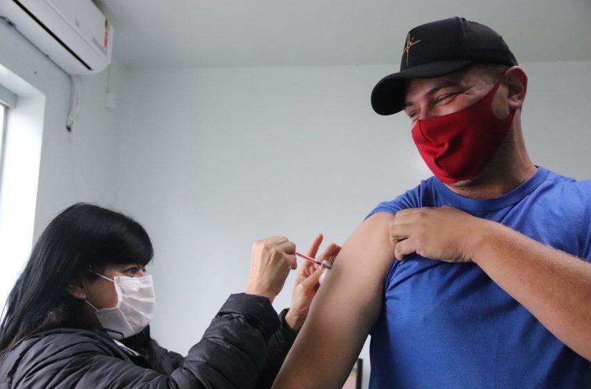 Canoinhas baixa número de casos ativos e amplia vacinação contra Coronavírus