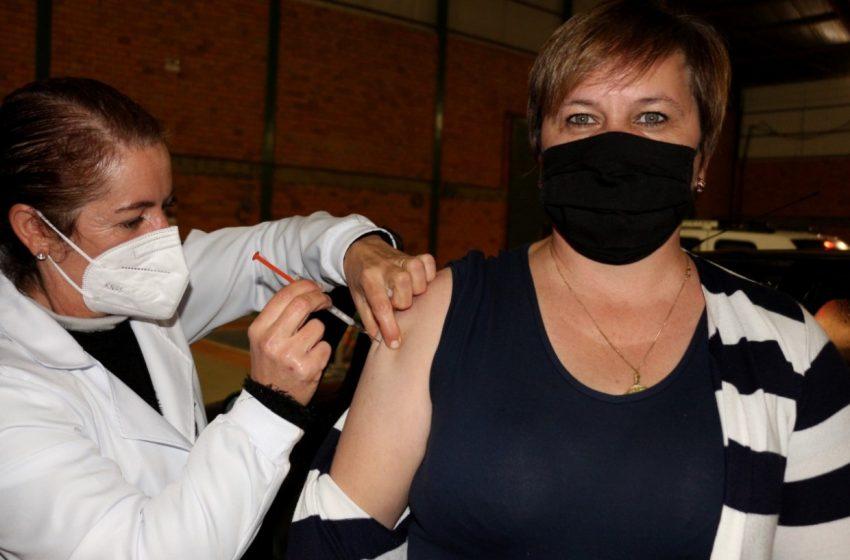 Canoinhas ultrapassa 18 mil vacinados e não tem paciente esperando transferência