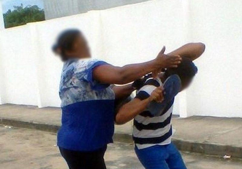 Mulher não aceita separação, agride marido e ameaça jogar os filhos na cachoeira em Porto Vitória