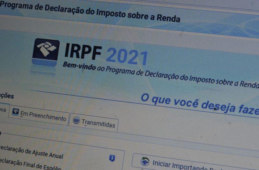 Faixa de isenção do IR poderá subir para R$ 2,5 mil, anuncia Guedes