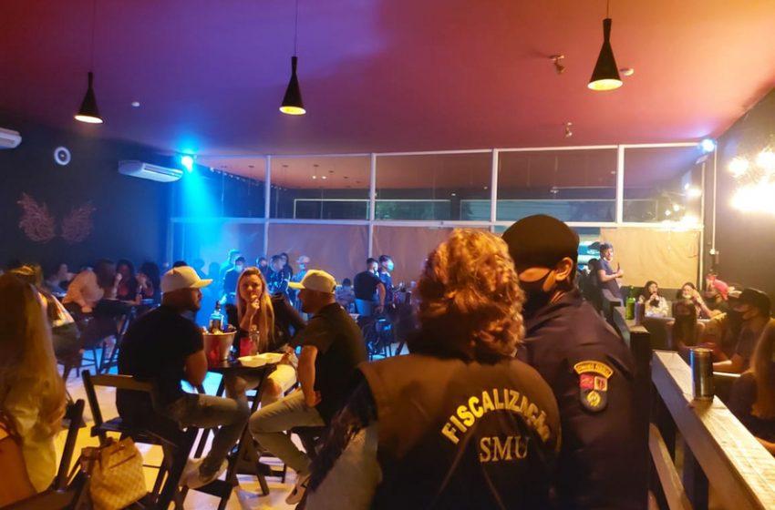 Fiscalização da AIFU encerrou festa com quase 100 pessoas em Curitiba