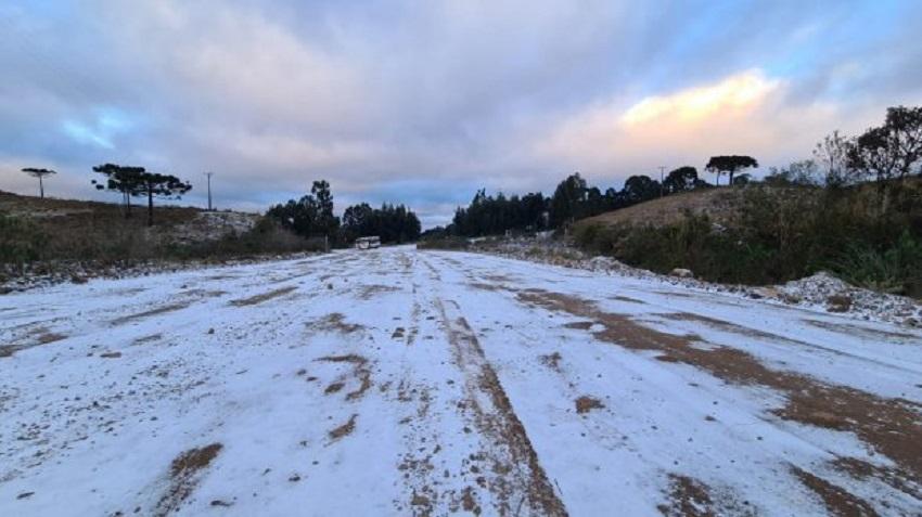 Santa Catarina teve neve em 23 municípios e pode registrar recorde de temperatura hoje