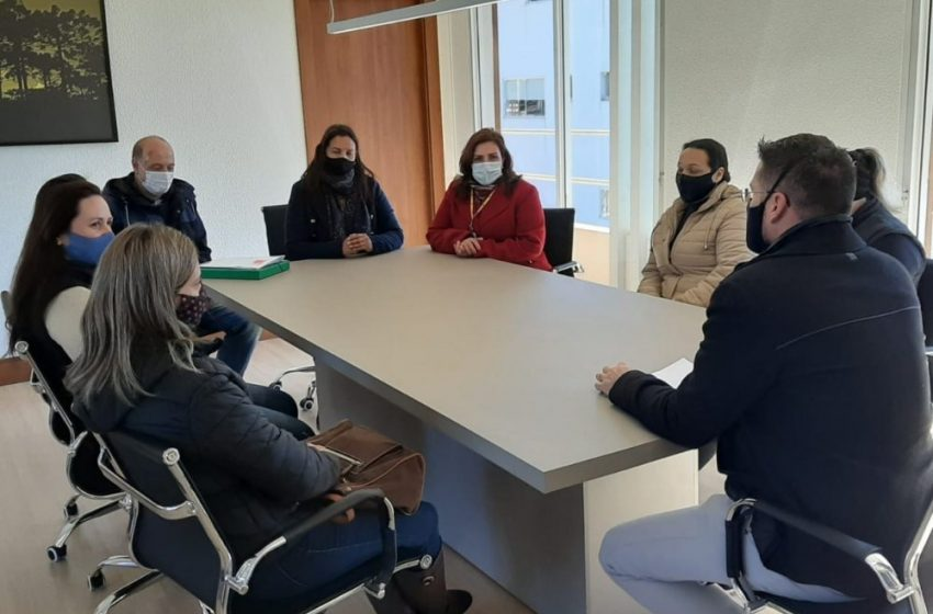 """Comunidade escolar se posiciona por """"não retorno das aulas presenciais"""" em Bituruna"""