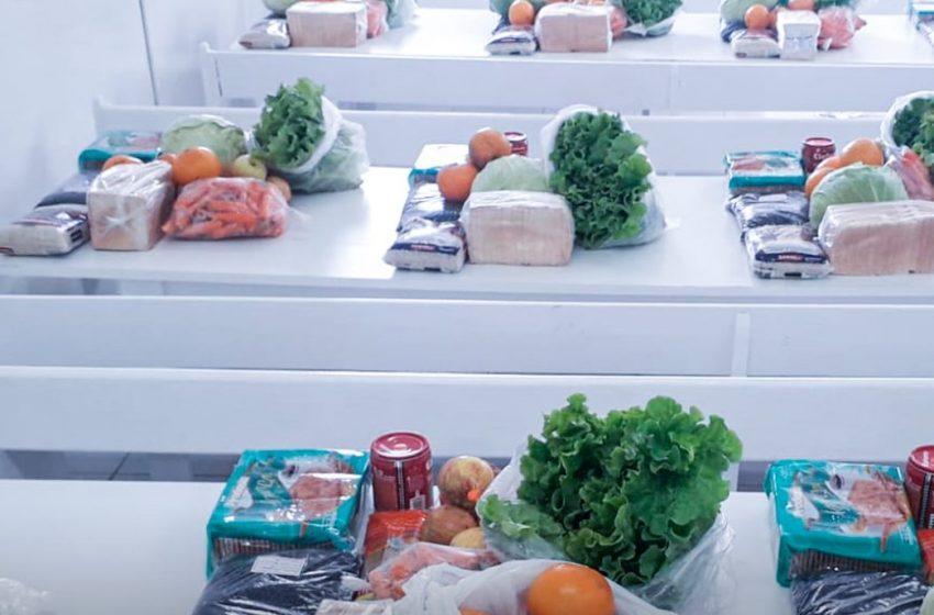 Em São Mateus do Sul nesta quinta-feira, 05, estão sendo entregues os Kits de alimento da merenda escolar