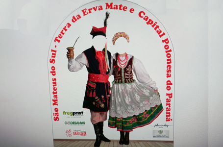 Codesamas presenteia cultura polonesa com totem da identidade de São Mateus do Sul