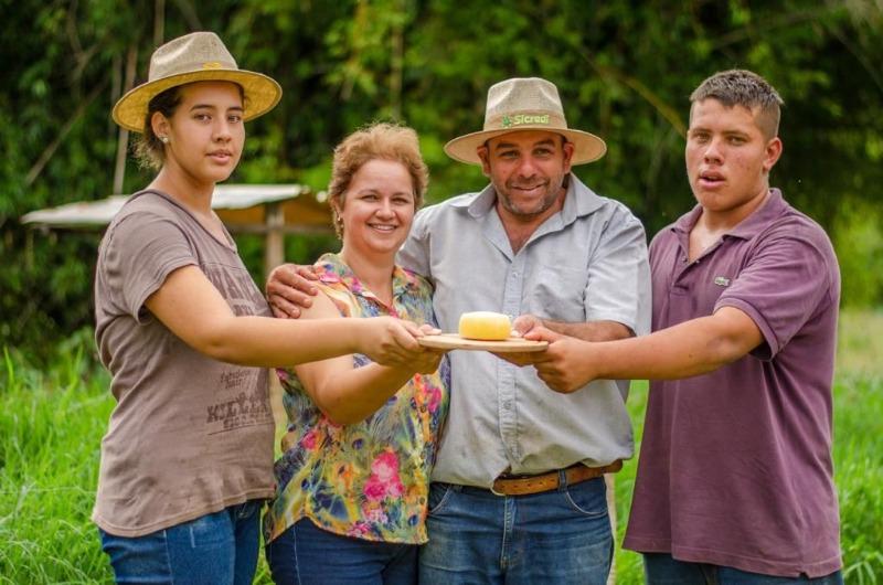 Família do PR leva medalha de prata no concurso de queijo mais importante do mundo
