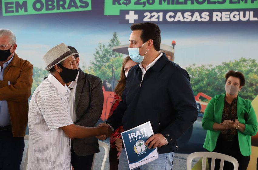 Governador entrega títulos de propriedade e libera pavimentação da área industrial de Irati
