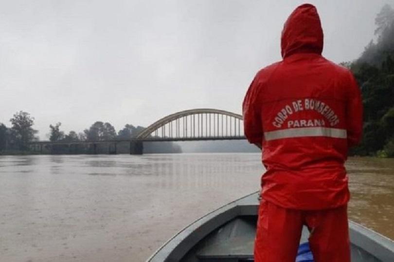 Segue as buscas por jovem que se afogou no Rio Iguaçu