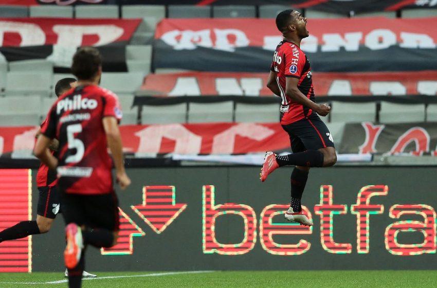 Athletico-PR elimina Peñarol e Sul-Americana terá final brasileira